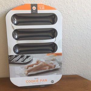 NWT Wilton Skeleton Bone Baking Pan
